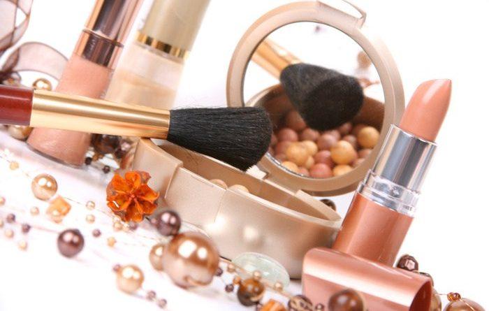 De ce sa achizitionam cosmetice online