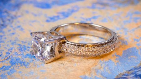 Ce semnificatii poate avea inelul de logodna din aur galben