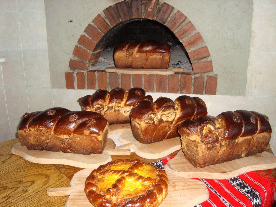Cozonacul sau painea de Paste a romanilor