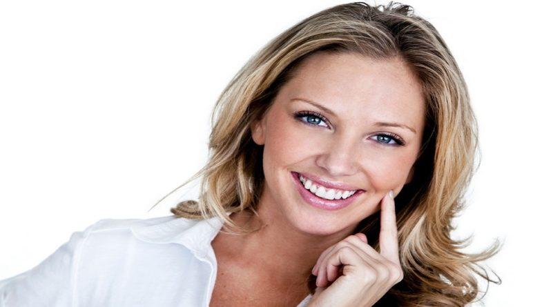 Cum sa-ti albesti dintii la timp de sarbatori