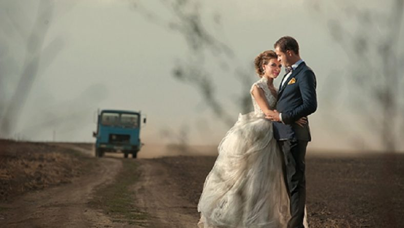 Cum se comporta un fotograf profesionist la nunta?