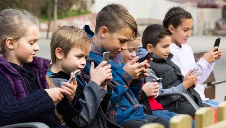 De ce copiii au nevoie de telefoane si ce aplicatii sunt utile si pentru copii dar si pentru parinti?