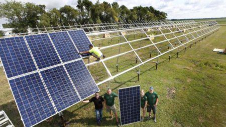 Ce sunt si cum functioneaza panourile solare?