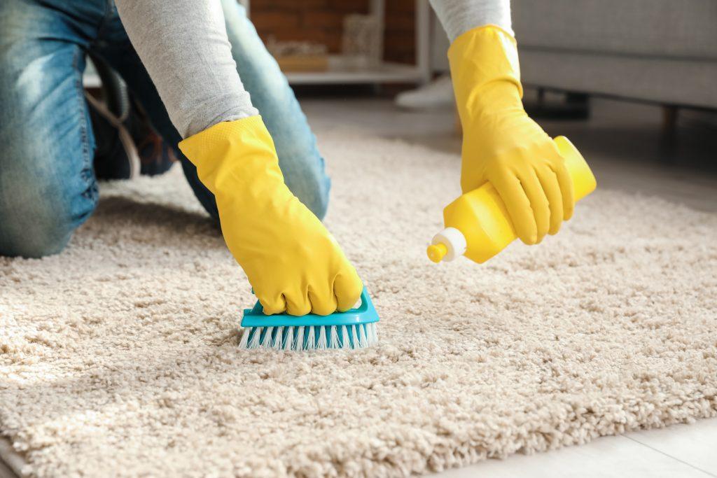 Retete naturale pentru curatarea diveselor suprafete din casa