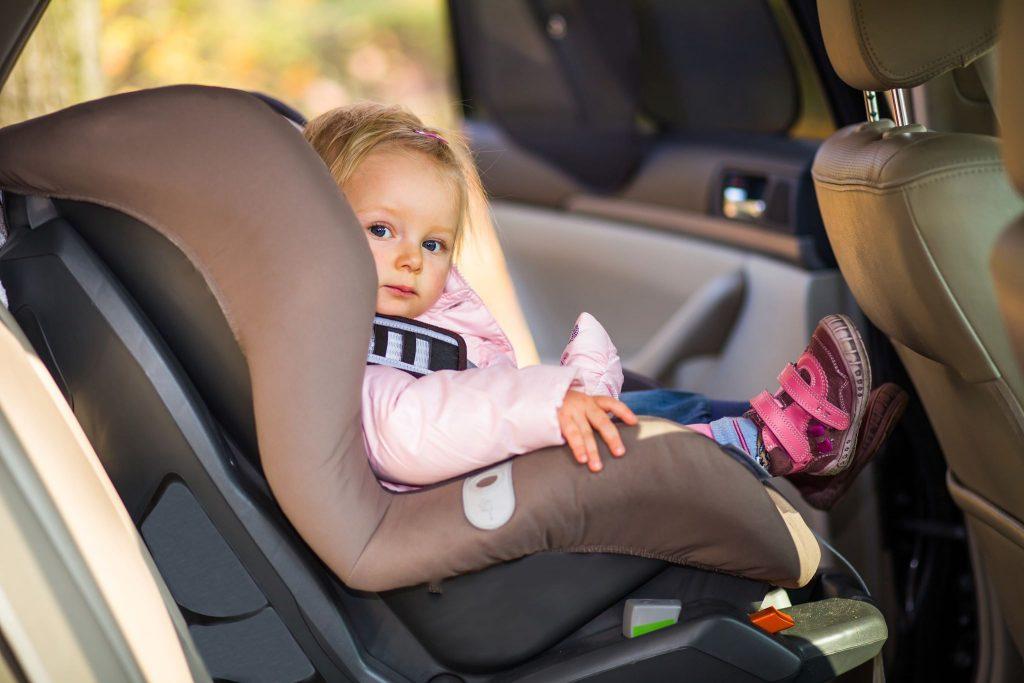 Scaun auto pentru copii Joie - Siguranță maxima pentru copilul tău
