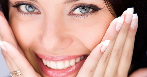 Tu cum iti pastrezi dintii albi?